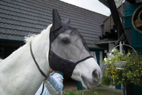 ABSORBINE ULTRA SHIELD FLY BONNET mit Ohren